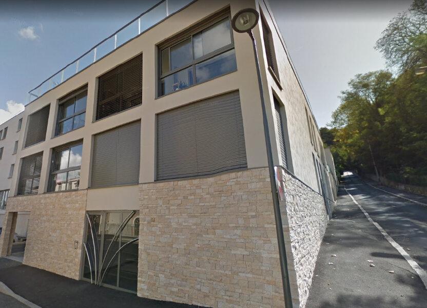 Appartement à louer 67.98m2 à Caluire-et-Cuire