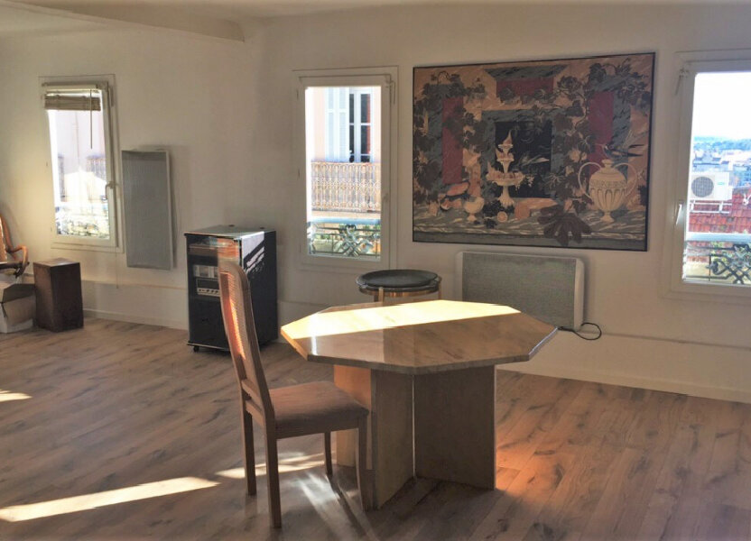 Appartement à vendre 62.43m2 à Hyères