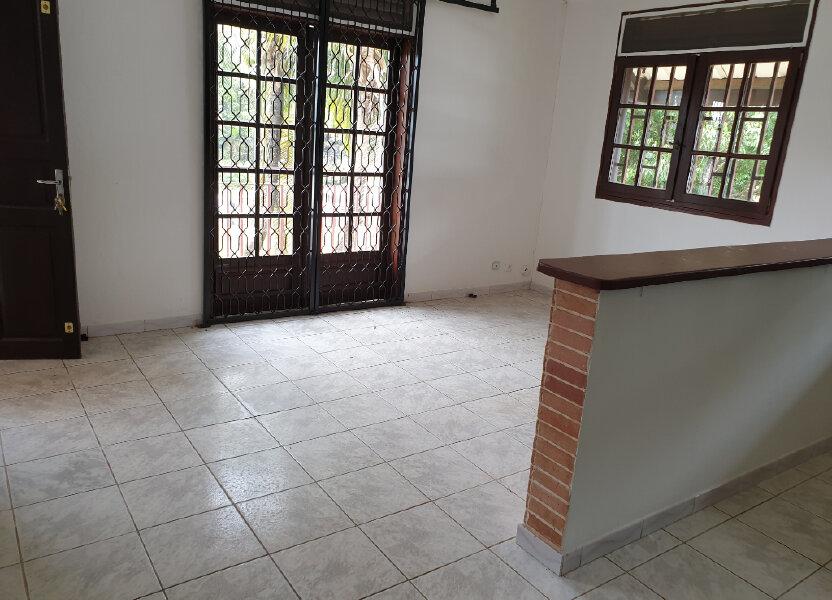 Appartement à louer 37.52m2 à Cayenne