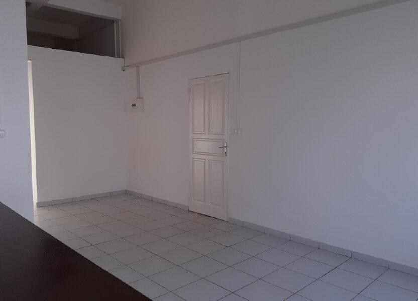 Appartement à louer 75m2 à Cayenne