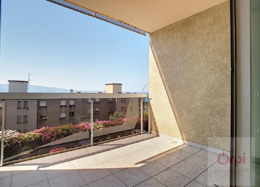 Appartement à louer 65m2 à Ajaccio