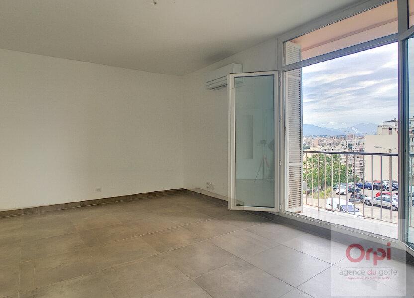 Appartement à louer 82m2 à Ajaccio