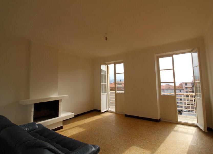 Appartement à louer 75.35m2 à Ajaccio