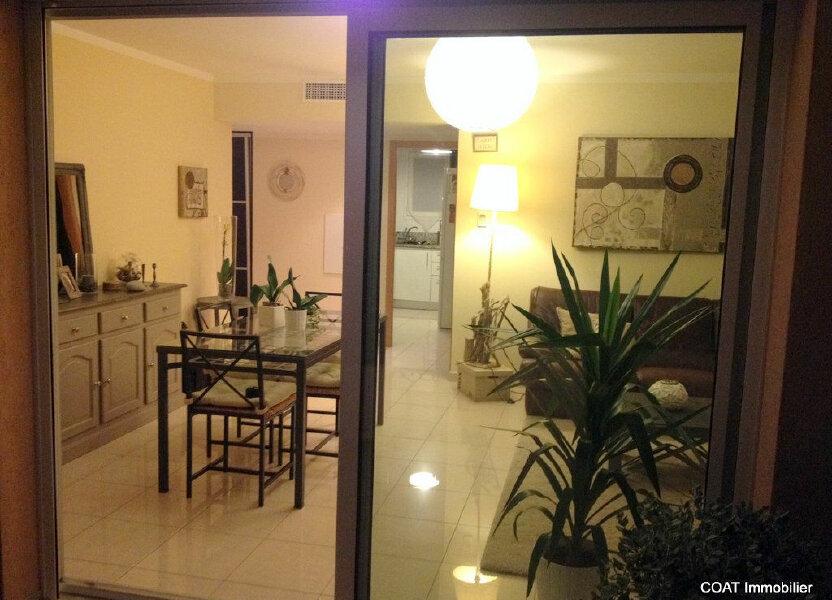 Appartement à louer 61.6m2 à La Roquebrussanne
