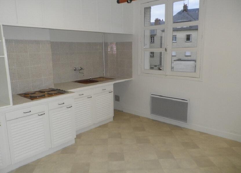 Appartement à louer 52.6m2 à Compiègne