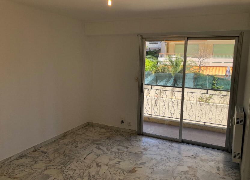 Appartement à louer 24m2 à Le Cannet