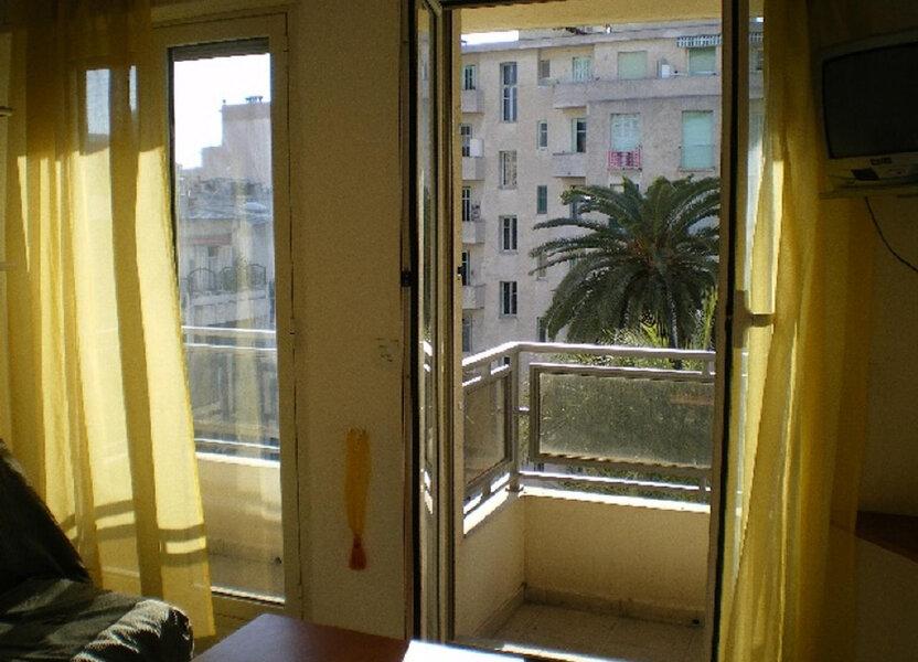 Appartement à louer 16.5m2 à Nice