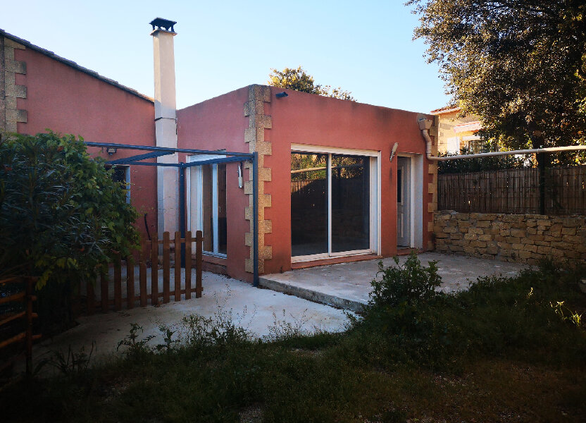 Maison à louer 75m2 à Vers-Pont-du-Gard