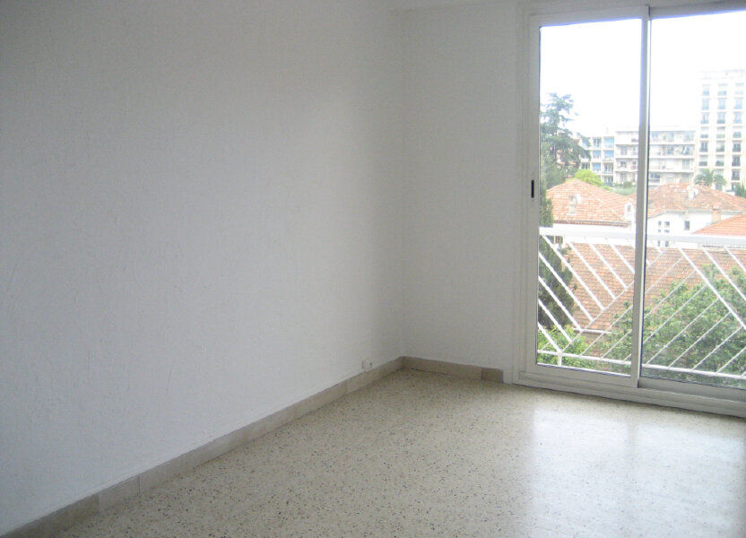 Appartement à louer 54.2m2 à Saint-Laurent-du-Var