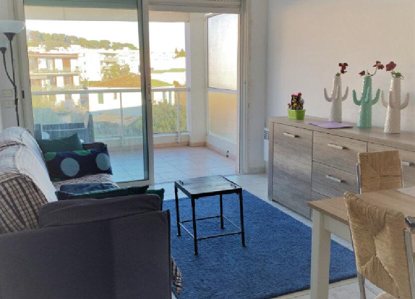 Appartement à louer 38m2 à Saint-Laurent-du-Var