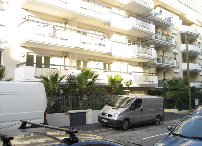 Appartement à louer 41.69m2 à Saint-Laurent-du-Var