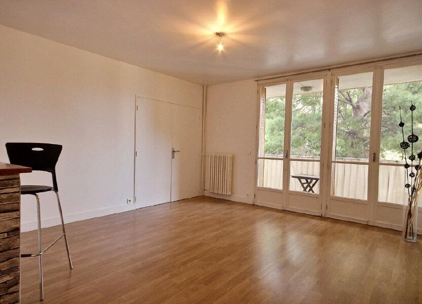Appartement à louer 60m2 à Marseille 12