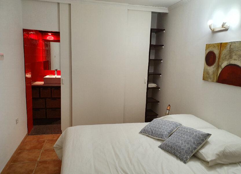 Maison à louer 82m2 à Arles