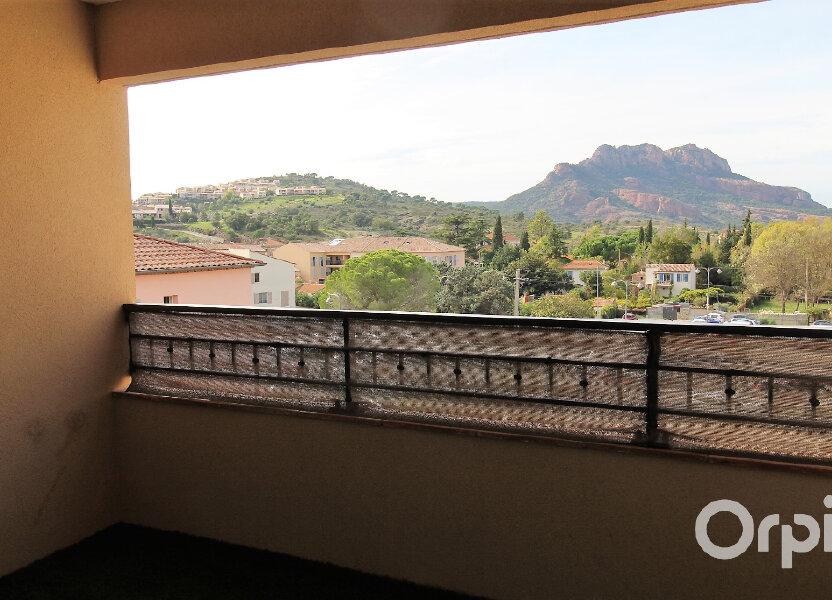 Appartement à louer 65.85m2 à Roquebrune-sur-Argens