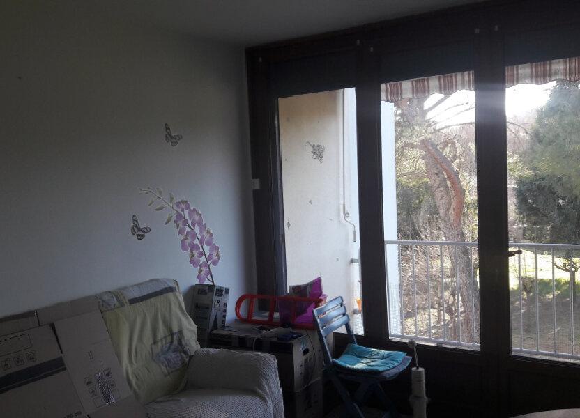 Appartement à louer 60m2 à Saint-Ambroix