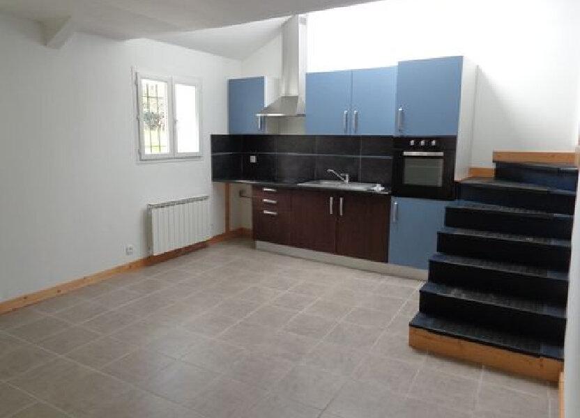 Appartement à louer 63.7m2 à Saint-Brès
