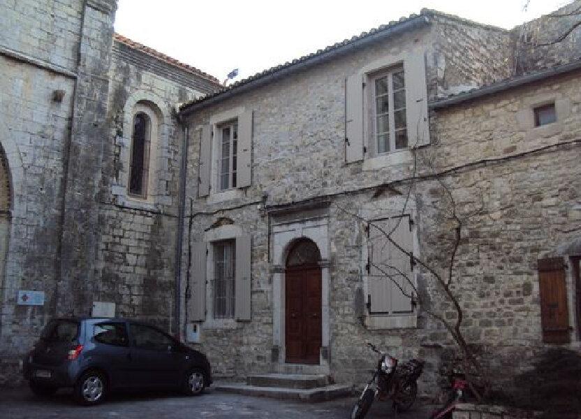 Appartement à louer 63m2 à Saint-André-de-Cruzières