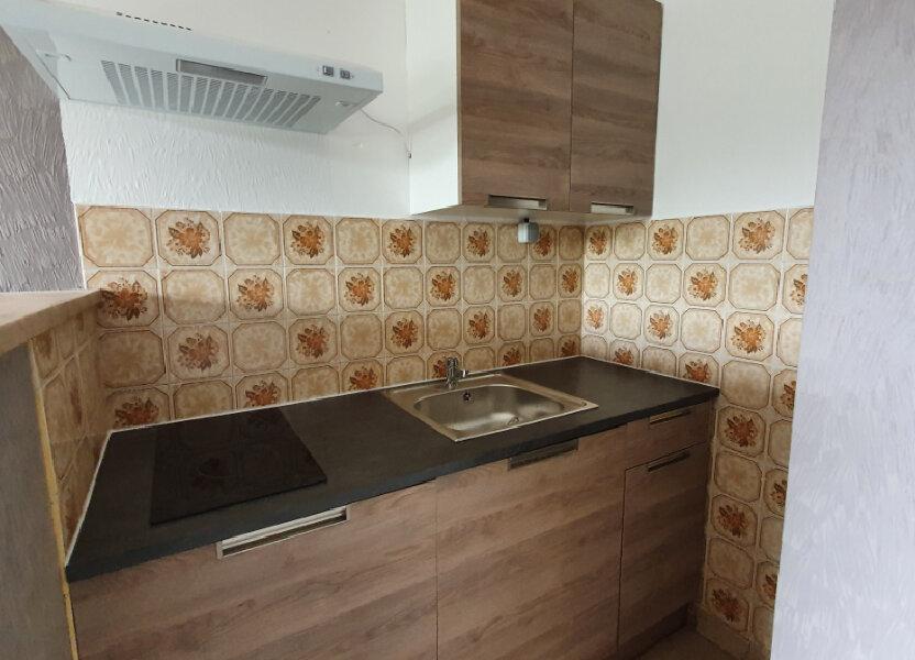 Appartement à louer 43.77m2 à Carhaix-Plouguer