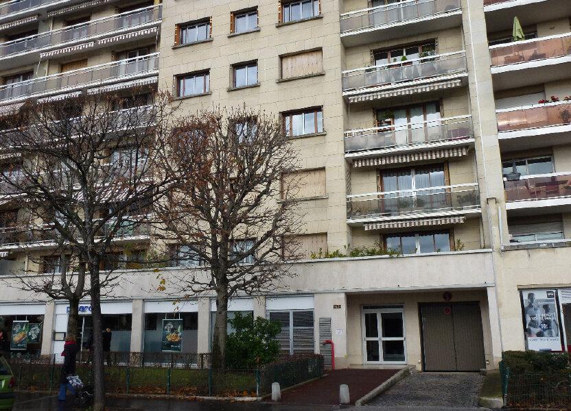 Stationnement à louer 14m2 à Vincennes