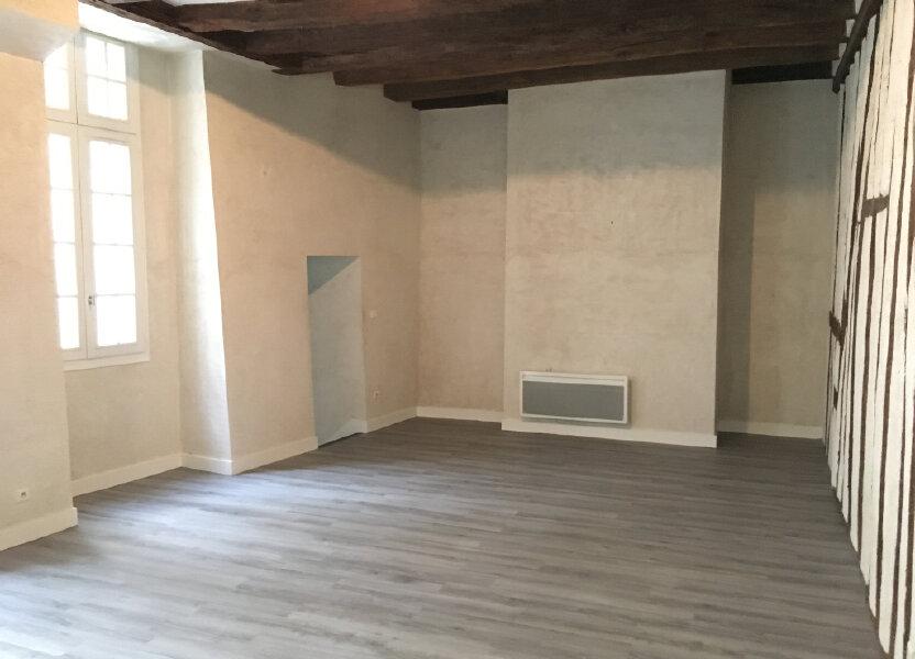 Appartement à louer 62.7m2 à Tours