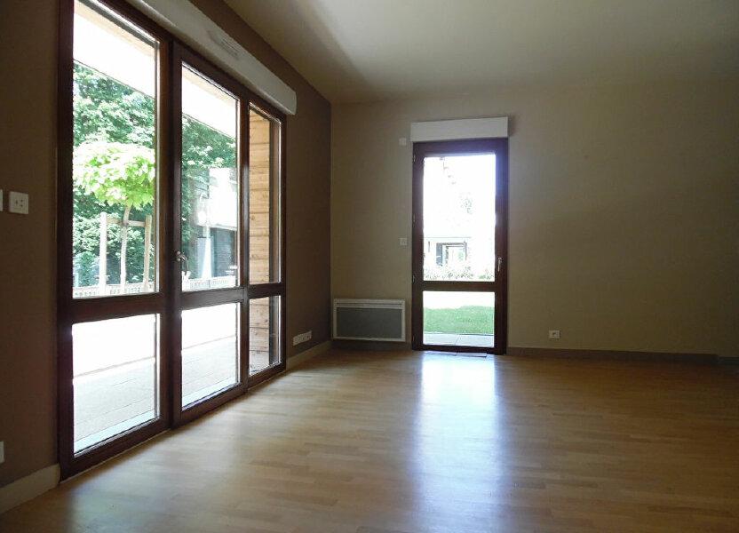 Appartement à louer 73.8m2 à Crosne