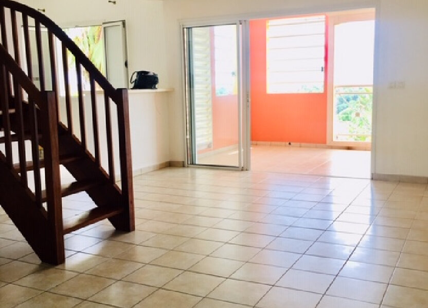 Appartement à louer 86m2 à Sainte-Anne