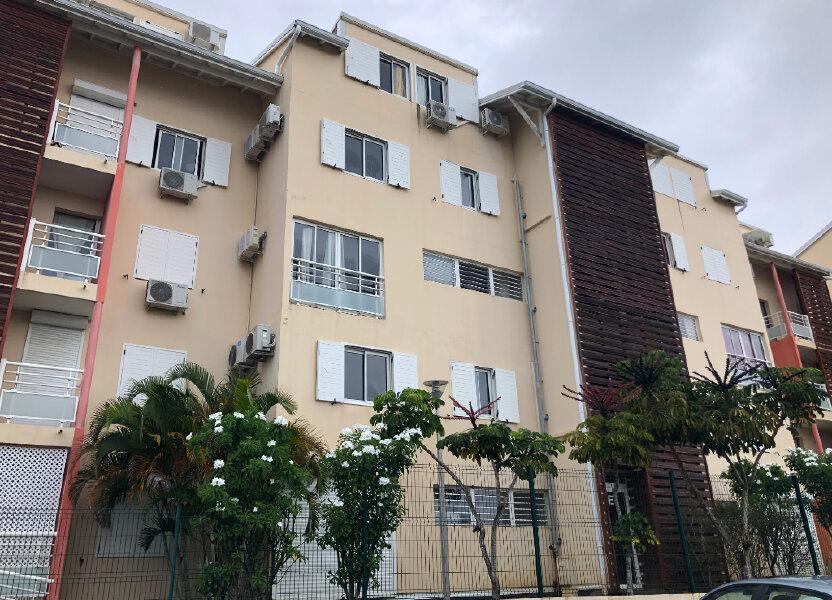 Appartement à louer 60.8m2 à Le Gosier