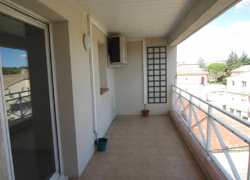 Appartement à louer 65m2 à Pertuis