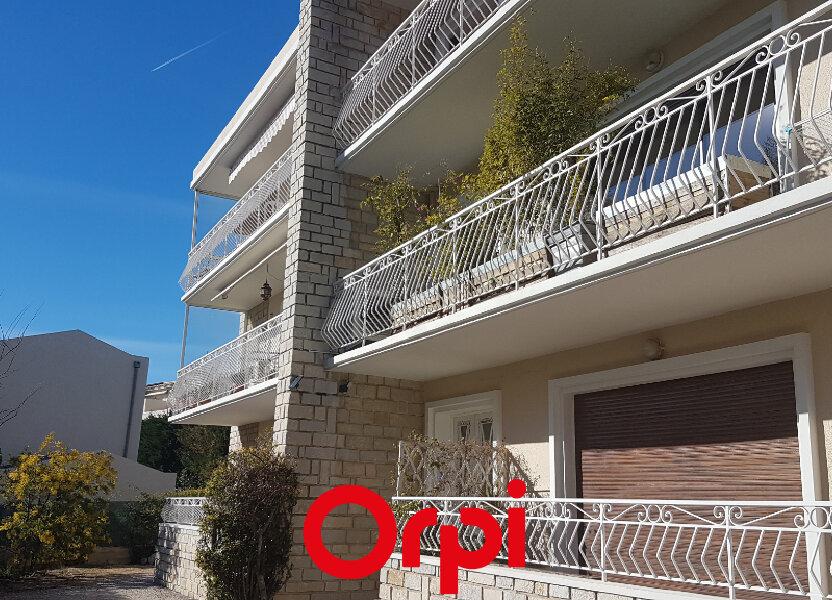 Appartement à louer 71.01m2 à Bandol