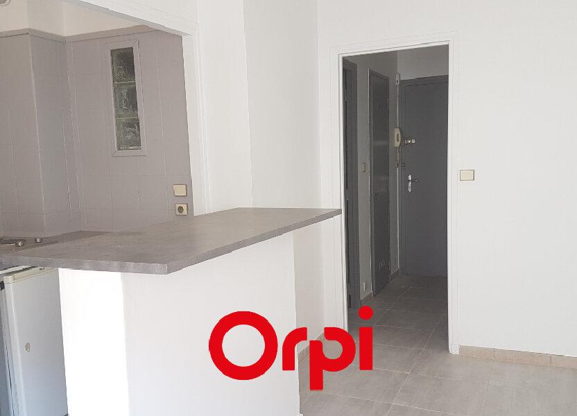 Appartement à louer 27m2 à Bandol