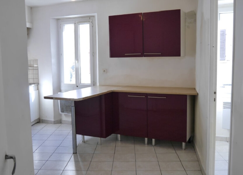 Appartement à louer 58m2 à Ollioules