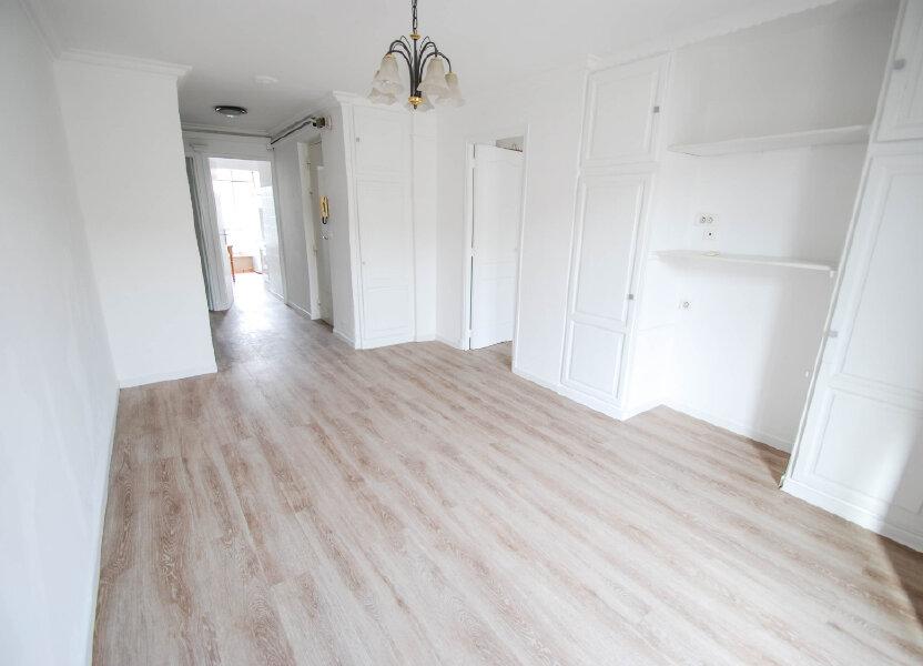 Appartement à louer 56m2 à Antibes