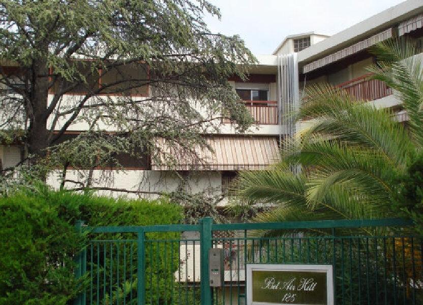 Appartement à louer 67.1m2 à Nice