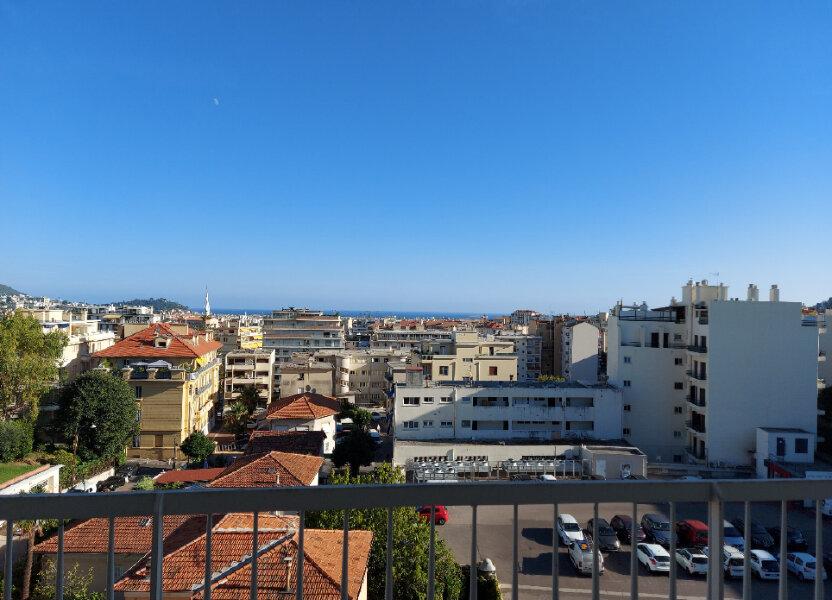 Appartement à louer 28m2 à Nice