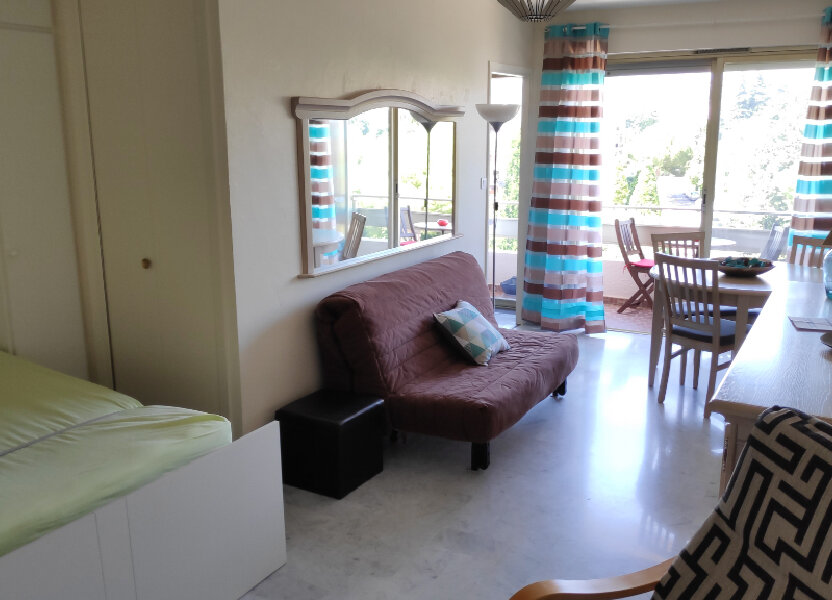 Appartement à louer 30m2 à Cagnes-sur-Mer