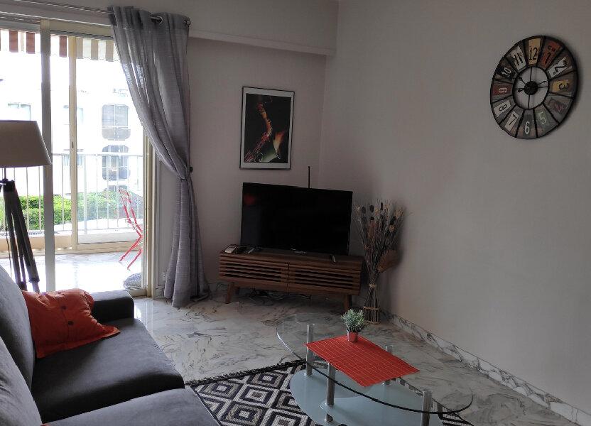 Appartement à louer 25m2 à Saint-Laurent-du-Var