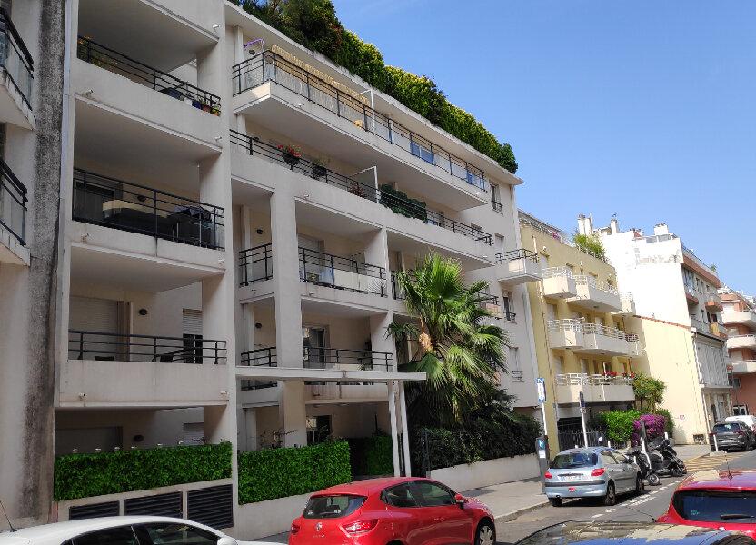 Appartement à louer 40m2 à Juan-les-Pins - Antibes