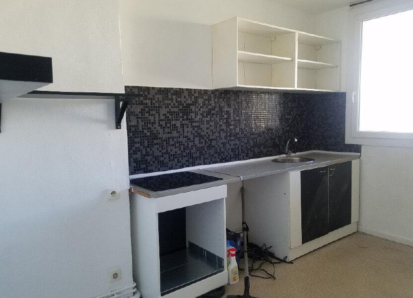 Appartement à louer 54.37m2 à Marignane