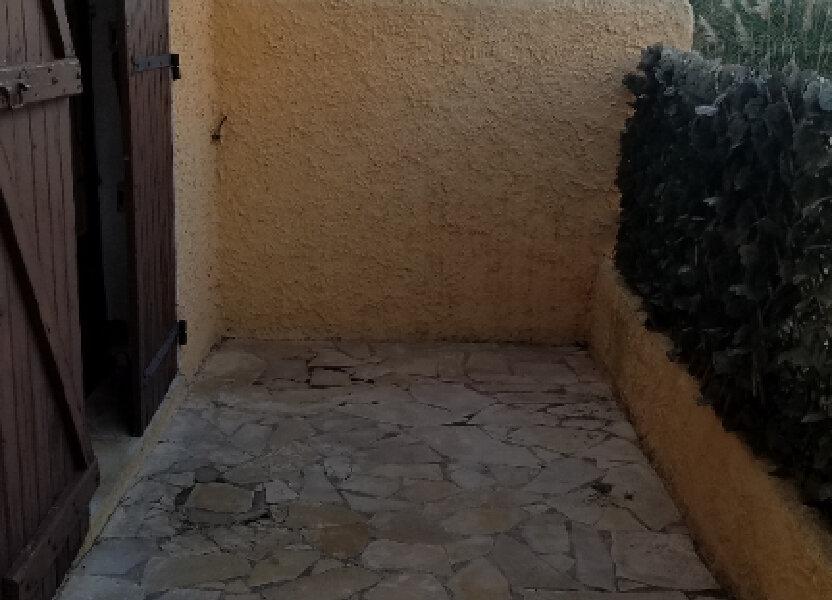 Appartement à louer 26m2 à Marignane