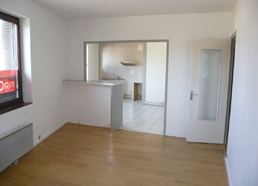 Appartement à louer 56.4m2 à Saint-Étienne-de-Saint-Geoirs