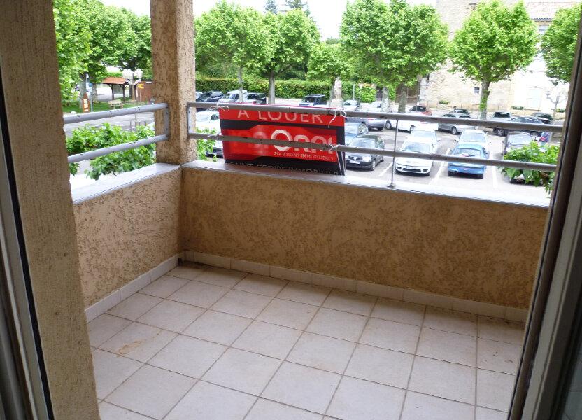 Appartement à louer 85.12m2 à Saint-Étienne-de-Saint-Geoirs