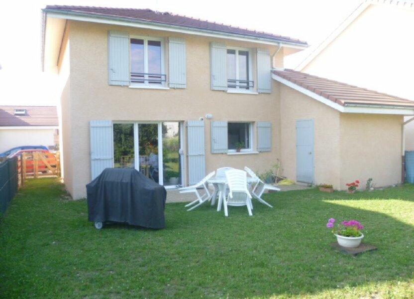 Maison à louer 90m2 à Saint-Étienne-de-Saint-Geoirs