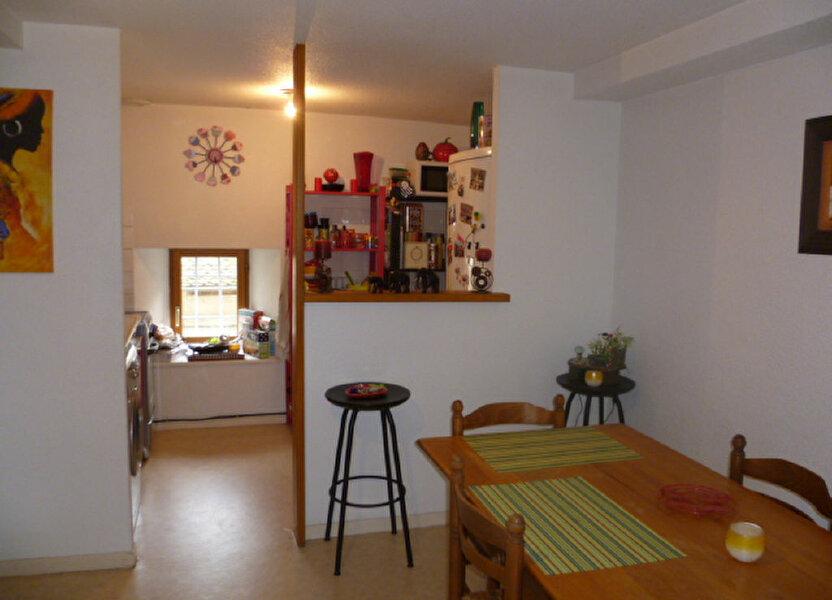 Appartement à louer 53m2 à Saint-Étienne-de-Saint-Geoirs