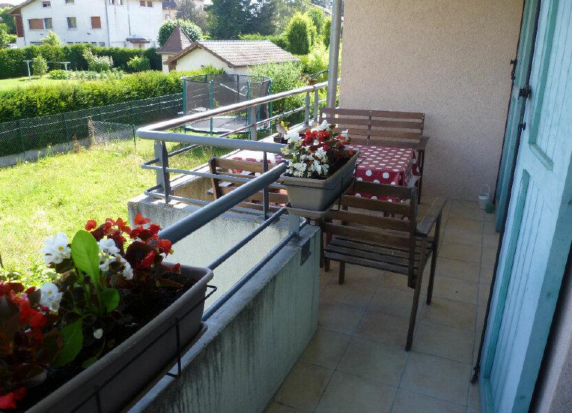 Appartement à louer 59.68m2 à Saint-Étienne-de-Saint-Geoirs
