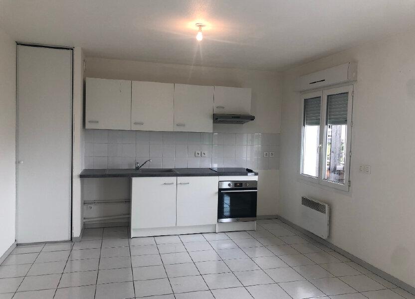 Appartement à louer 58.35m2 à Brézins