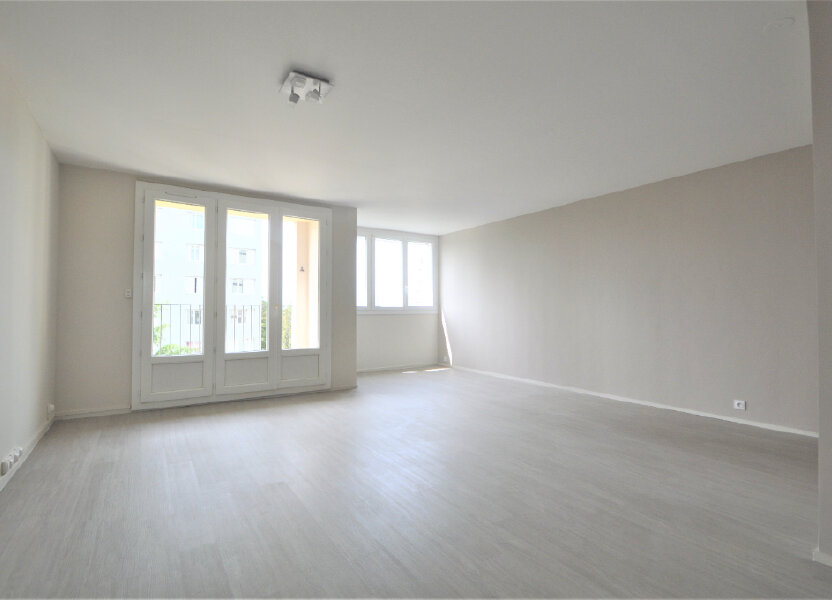 Appartement à louer 76.82m2 à Pau