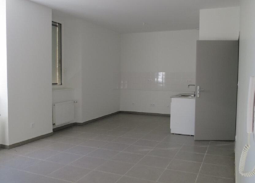 Appartement à louer 64.22m2 à Darbres
