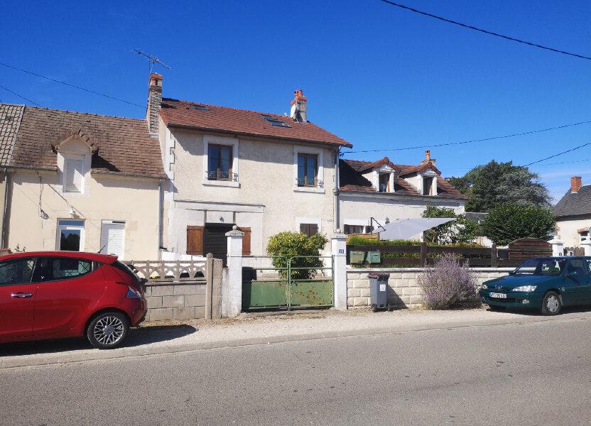 Appartement à louer 70m2 à Marseilles-lès-Aubigny