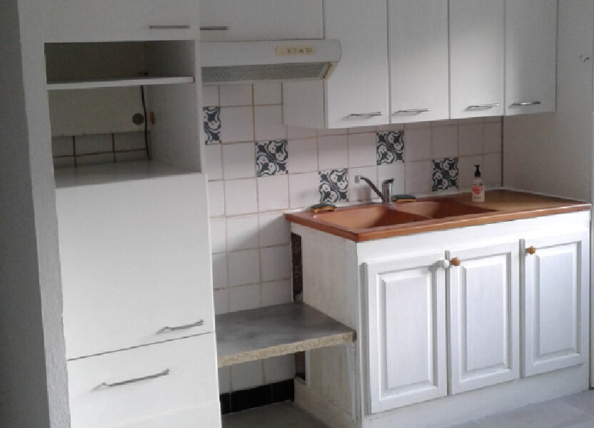 Appartement à louer 53m2 à Château-Arnoux-Saint-Auban