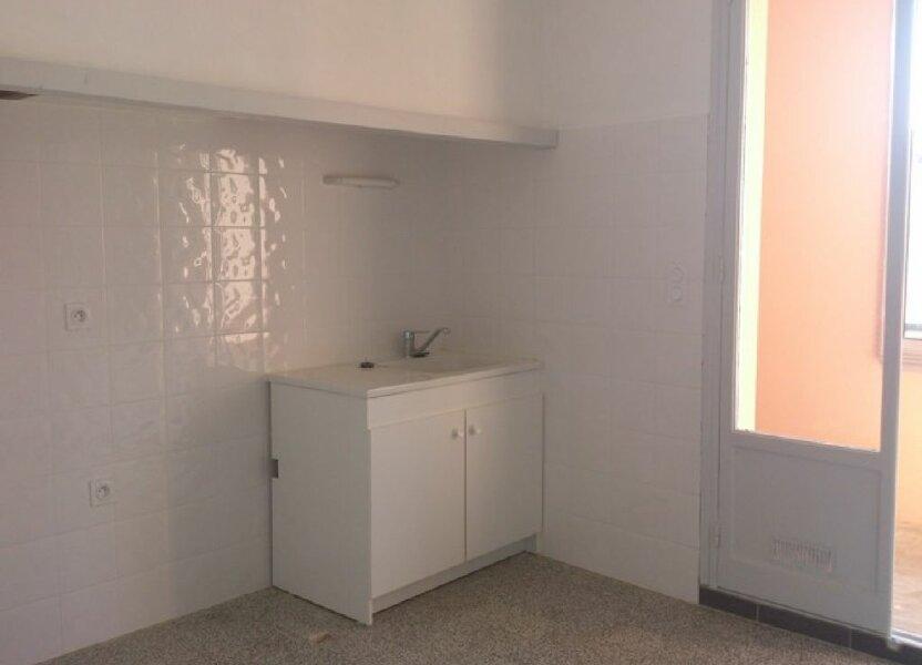 Appartement à louer 65.63m2 à Pont-Saint-Esprit